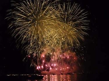 Imagen de Crucero de fuegos artificiales DESENZANO domingo por, 7 de Agosto - Lago de Garda